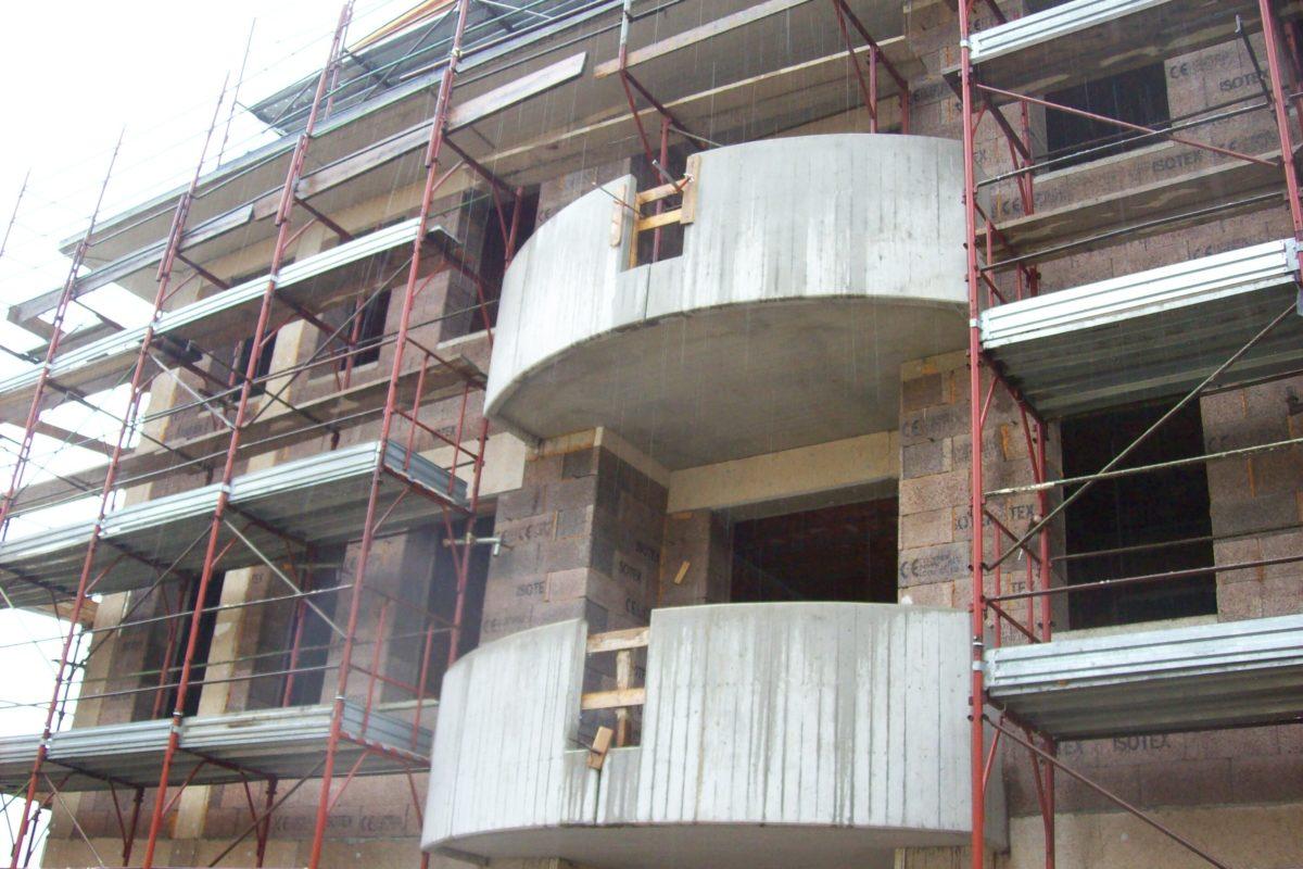 Balcone in fase di montaggio