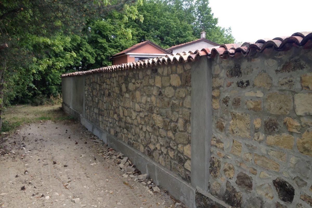 Rifacimento nuovo muro perimetrale cimitero